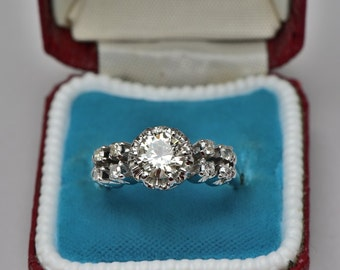 Spectacular late Deco 1.01 Ct solitaire diamond ring