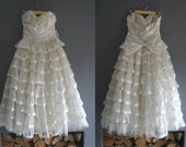 50s Ivory Ruffled Strapless Prom Dress Small