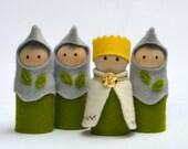 Natural Waldorf toy / eco friendly toy / pretend play set - Green dolls - Waldorf inspired knights. Waldorf natural toys FREE Post Australia