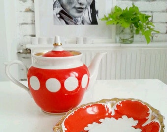 Retro Teapot and sugar plate.