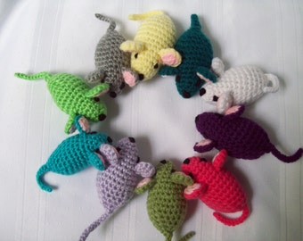 Crochet Little Mouse // Stuffed Mouse Toy // Crochet Stuffed Mouse // Amigurumi Mouse Toy