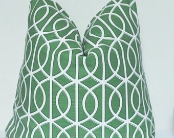 Pillow Cover, Decorative Pillow, Throw Pillow, Toss Pillow, Sofa Pillow, Green Fretwork, Green Lattice, Trellis, Home Furnishing, Home Decor