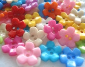 15mm Flower Shaped Buttons Mixed Colours Pack of 30 Acrylic Flower Buttons A157