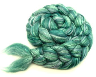 Blended roving - tops - green fibre -Merino wool - Mulberry silk - 100g - 3.5oz - SIREN