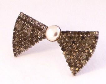 Vintage Rhinestone Bow Brooch, Silver Bow Brooch, Pearl Brooch, Bow Brooch,