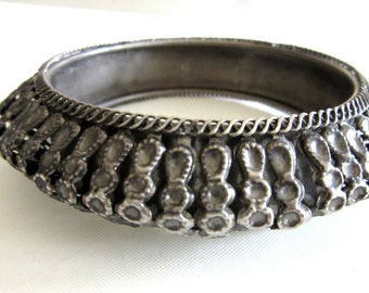 Bedouin Omani Silver Bangle Middle Eastern Yemeni Rattle Bangle Ethnic Tribal Kuchi