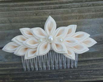 Ivory Kanzashi Flower Hair Comb