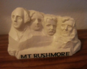 Mt. Rushmore Coin Bank