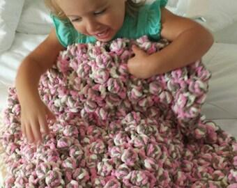 Crochet warm baby blanket, thick baby blanket, baby girl blanket, bobble stitch baby blanket, pink blanket, Bernat blanket yarn