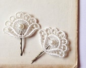 Vintage Pearl & Antique Ivory White Fan Flower Lace Wedding Hair Accessories Grip Clips