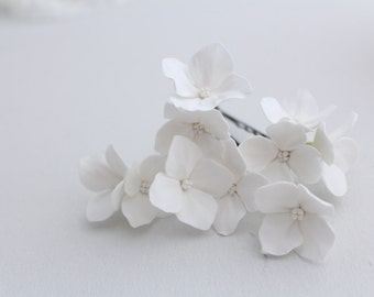 Hair bobby pin polymer clay flowers. Set of 6. White hydrangea - 3 with 1 flowers,2 with 2 flowers and 1 with 3 flowers.