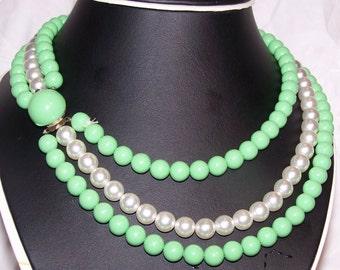 Fabulous 50s Classy Three strand Green and White nicklass