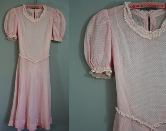 1940's Dress // Pink Swiss Dot // XS
