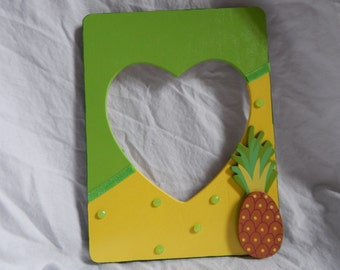 Handmade picture frame with pineapple