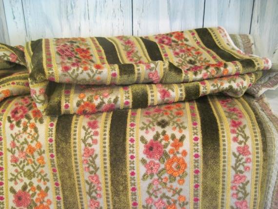 Vintage Velvety Floral Pattern Bedding Sheet Bed Furniture