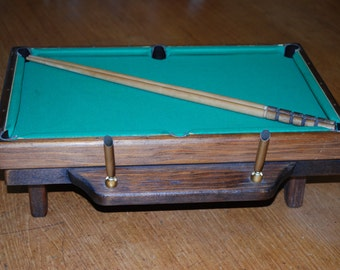 Vintage Miniature Pool Table Pen Holder