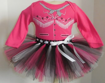 nb 0/3 3/6 6/9 12 18 24 months  hot pink COWGIRL Cowboy Tutu and Onesie outfit set baby girl outfit Halloween Costume  m month size newborn