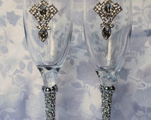 Romantic Gatsby inpired Bling covered Wedding Champagne Toasting Flutes! Beautiful Gem centerpiece & embellished stem. Endless Sparkle!