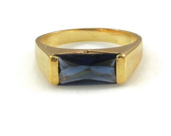 Gorgeous Geometric Cobalt Blue Rhinestone and Gold Tone Ring - Size 11