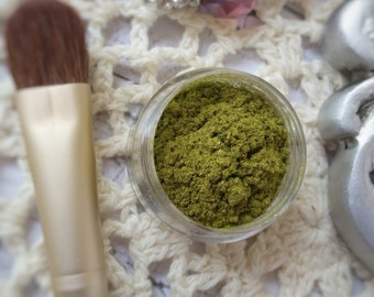 Green Eye Shadow - Organic Eye Shadow - Organic Beauty - Two Tone Eye Shadow - Mineral Eye Shadow - Loose Eye Shadow - Camo Organic Makeup