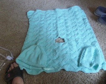 Knitted baby blanket for car seat