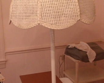 White Wicker Table Lamp