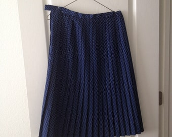 Vintage polka dot pleated skirt