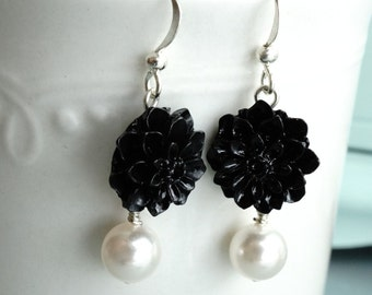 50% off SALE Earrings, pearl and black resin flower earrings 1