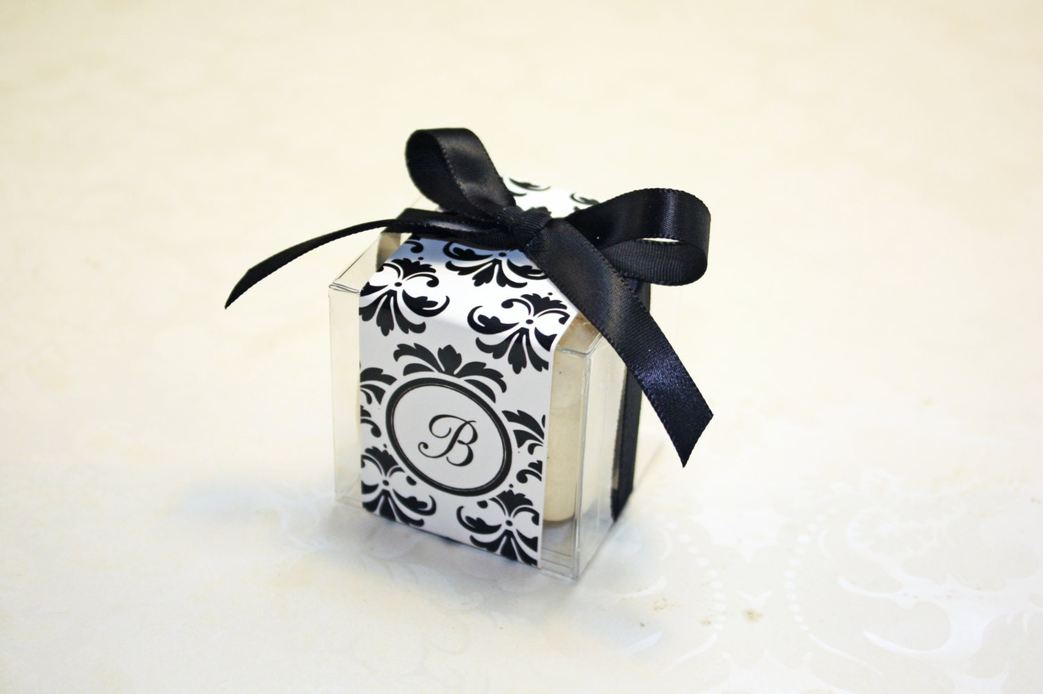 Black And White Damask Favor Boxes : Damask macaron favor boxes black and white