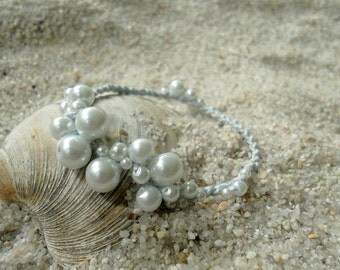 Sea Foam Pearl Bracelet (Crystal Pools)