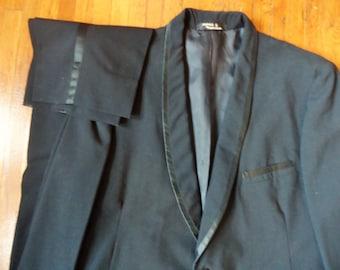 Vintage 60s Haricon Shawl Two Piece Black Tuxedo 42-44 35x28