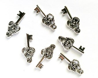 6 Antique Silver Color Flower Key Charms Jewelry Findings ASCFKC-6CC