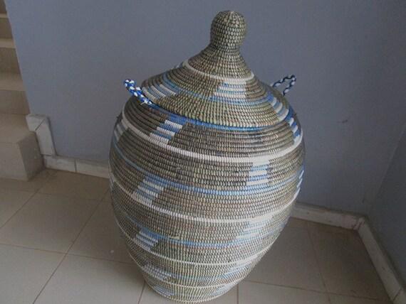 Stile africano enorme cesto della biancheria ceste blu e for Arredamento stile africano