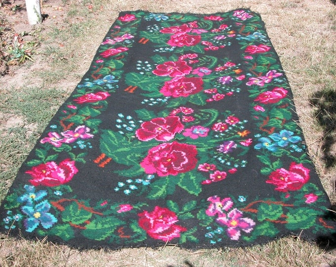 Bessarabian Kilim & area rugs, Handmade, Vintage. Eco-Friendly. rose carpet