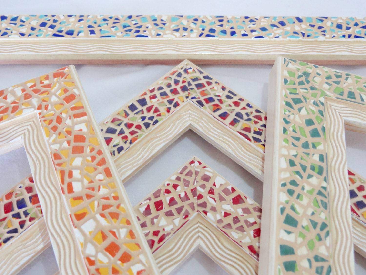 Multi color picture frame mosaic vintage style beach for Bungalow style picture frames