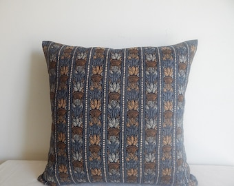 18x18 Navy Gray Pillow Cover in a Vintage Floral Design