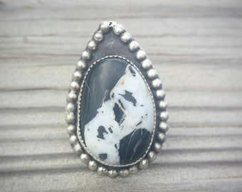 Large Pointed Sterling Silver White Buffalo Turquoise Ring - Size 8.5