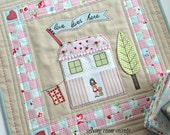 mini quilt pattern 'Love Lives Here'