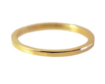 Delicate 14kt Yellow Gold Ring