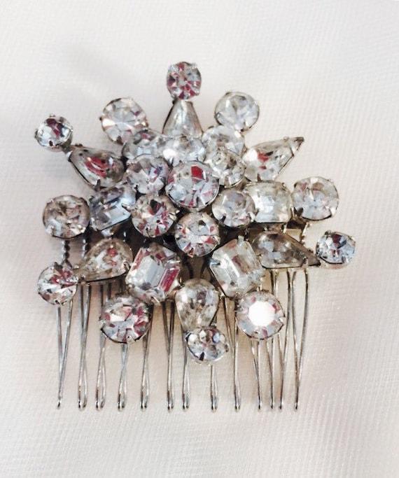 TRUE VINTAGE, Wedding Headpiece, Bridal Hair Comb,Wedding Hair Accessory, Rhinestone Hair Clip, Vintage Brooch Comb, Hair Jewelry-BELLEROY