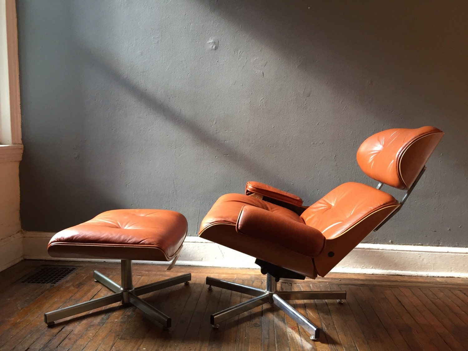 Eames lounge chair and ottoman italian made replica on original design haute juice - Eames lounge chair and ottoman reproduction ...