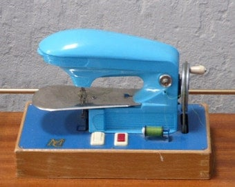 Adorable small machine has to sew for child, MCT, my small sewing kit, blue