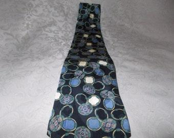 Vintage aldo Ponti 100% Silk Italian Tie (1312)