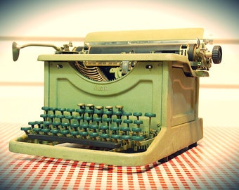 """Vintage Green """"Rebuilt"""" L.C. Smith & Bros No.8 Secretarial Typewriter, Sold operational and in working condition"""