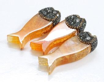 Agate Fish Pendant With Pave CZ Diamond Zircon Edge YHA-113