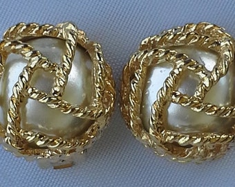 Vintage Paolo caged white pearl, in braided gold tone clip on earrings