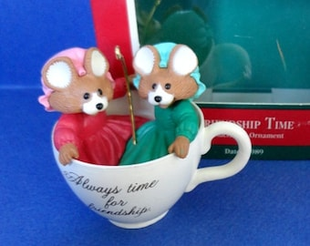 1989 Friendship Time Hallmark Retired Ornament