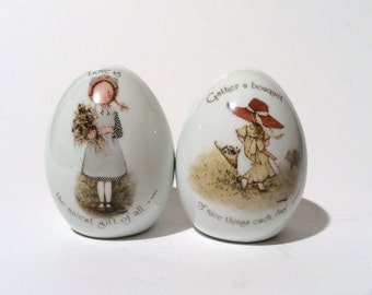 Vintage 1970s Set of 2 Hollie Hobbie Porcelain Eggs, Collectible and Classic