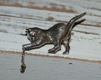 Mouse Chase Chain Linked Vintage Sterling Silver Kitty Cat Feline Profile Brooch
