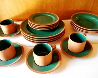 Japan Hunter Green Terra Cotta Dinnerware 20 Piece Dinnerware Set Free Shipping